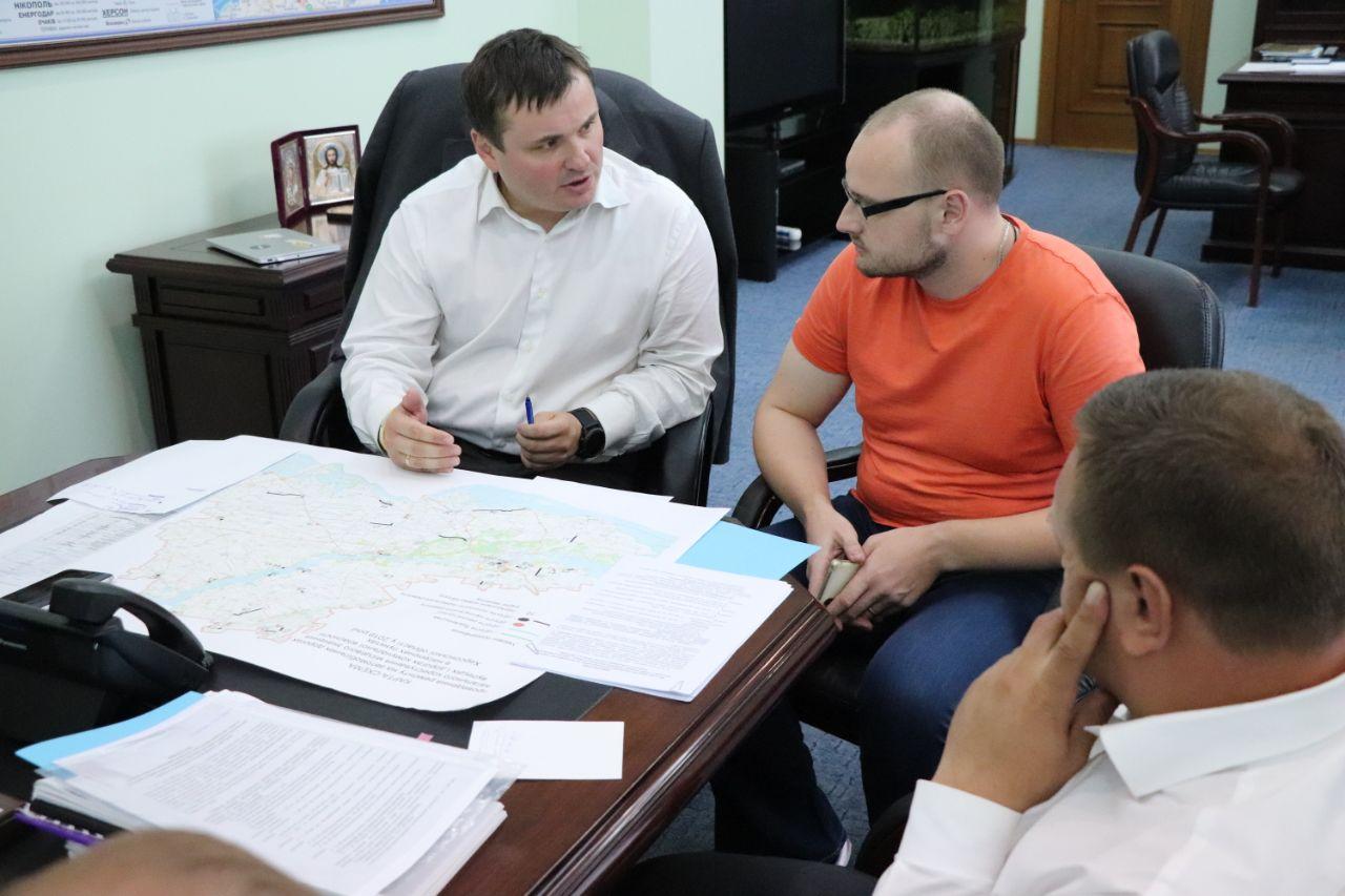Губернатор хочет привлечь жителей Херсонщины к ремонту дорог