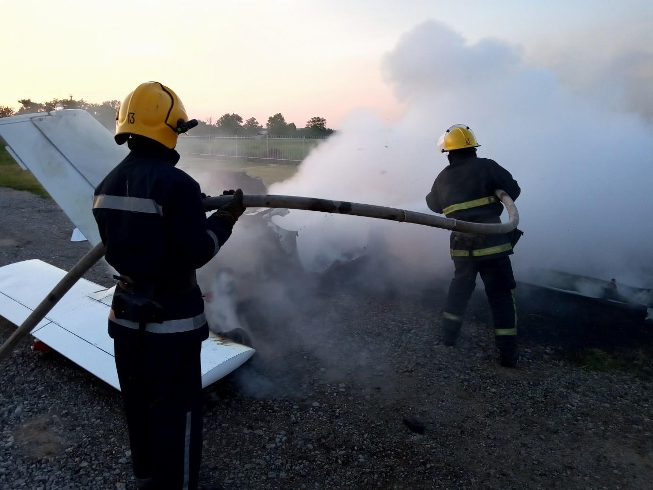 Рано утром на Херсонщине сгорел самолет: огонь его уничтожил за 23 минуты