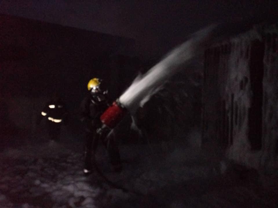 Каховские спасатели тушили трансформатор пенными столбами: под Федоровкой полыхнуло электрооборудование насосной станции