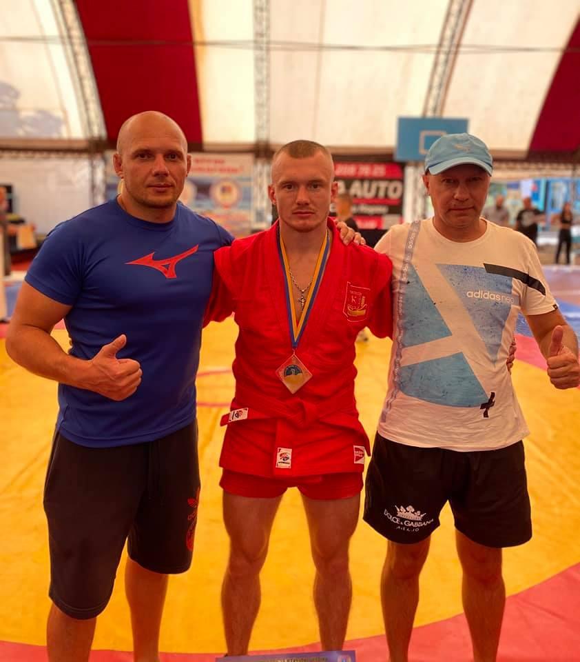 Студент из Херсона победил на чемпионате Украины по боевому самбо