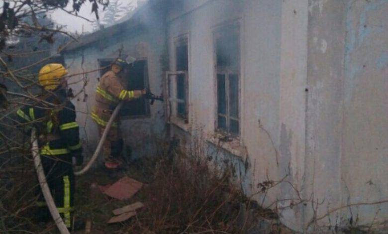 На Херсонщине спасатели ликвидировали пожар в заброшенном здании