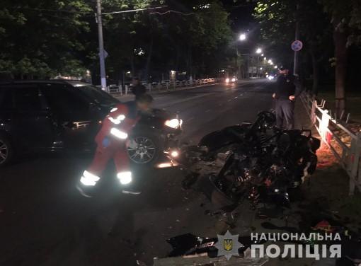 Ночью в Херсоне произошло жуткое ДТП: тяжело пострадала молодая пара