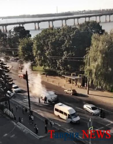 У Херсоні на Кіндійському шосе під час руху загорівся автомобіль