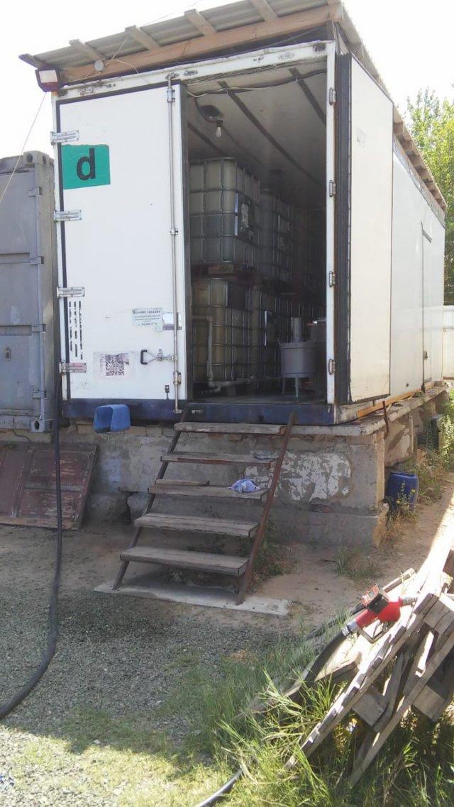 В Новой Каховке прекратили деятельность подпольной АЗС: было изъято почти 10 000 литров горючего