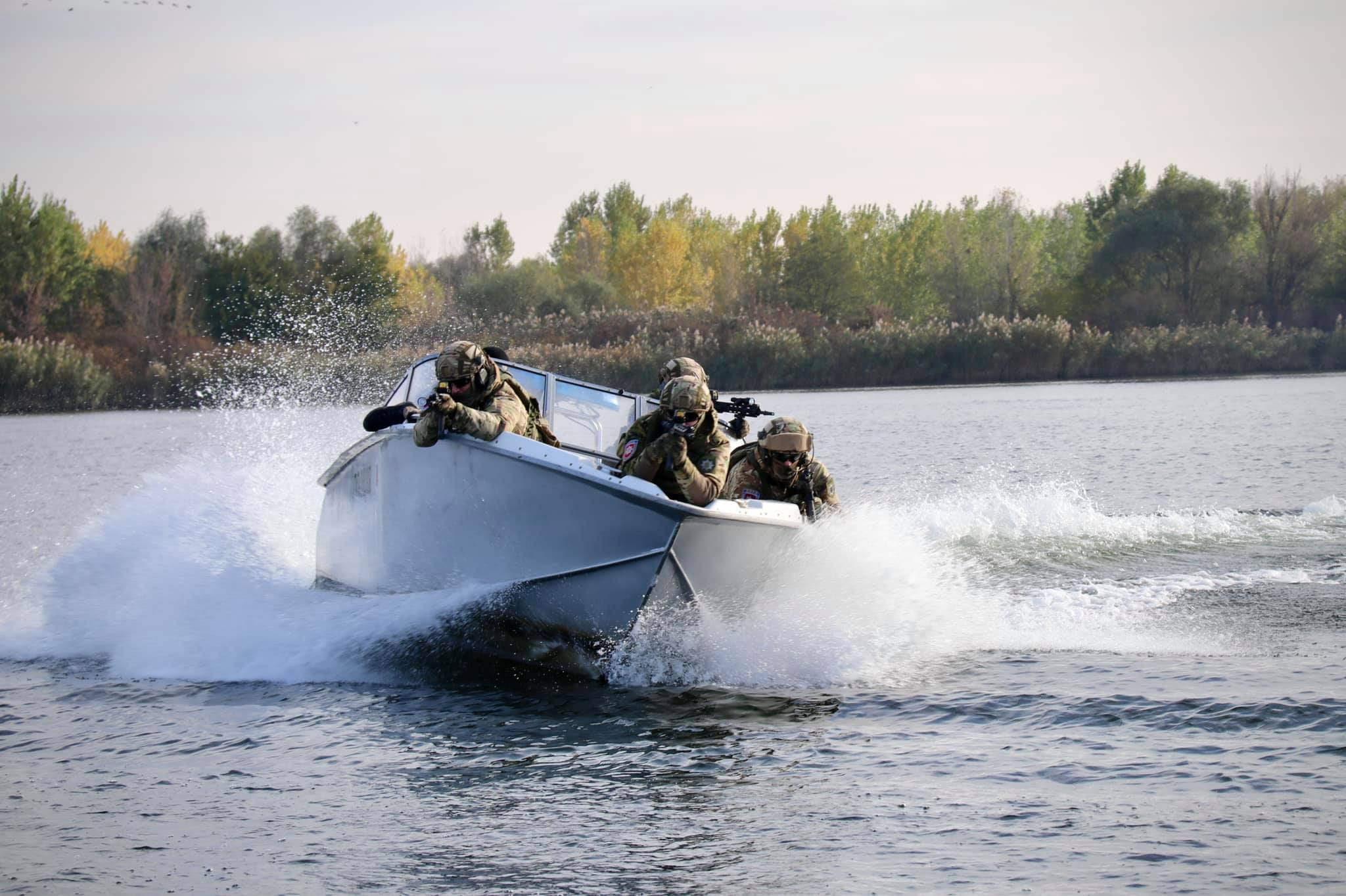 На Херсонщине спецподразделение КОРД и водная полиция провели совместное обучение