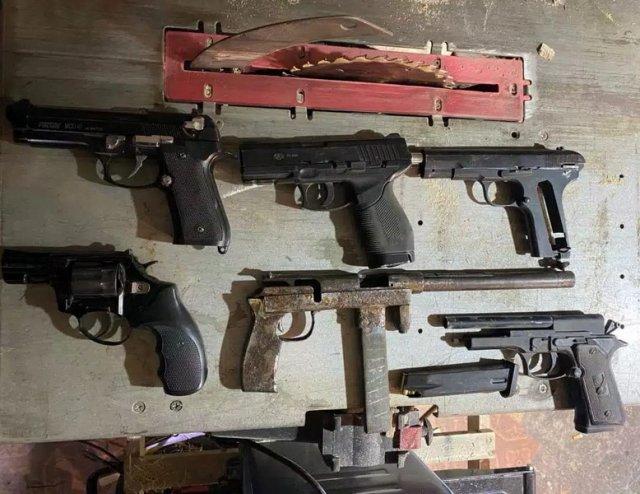 В Херсоне полицейские перекрыли канал поступления тяжелых наркотиков и задержали группу наркодилеров