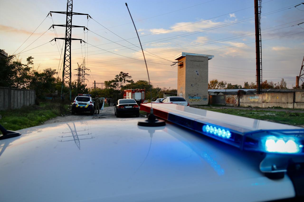 В Херсоне полиция получила вызов о заминировании автомобиля: информация не подтвердилась