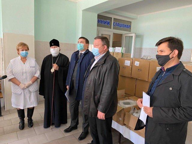 Херсонщина получила 4000 тестов на коронавирус и средства защиты для медиков