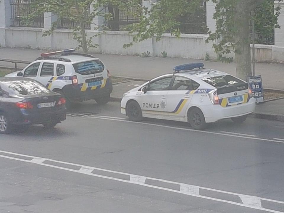 """""""Заварушка"""" в центре Херсона: толпа полицейских и один задержанный"""