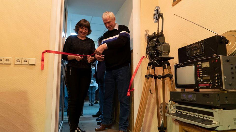 В Херсоне открыли телерадиомузей с микрофоном 1951 года рождения