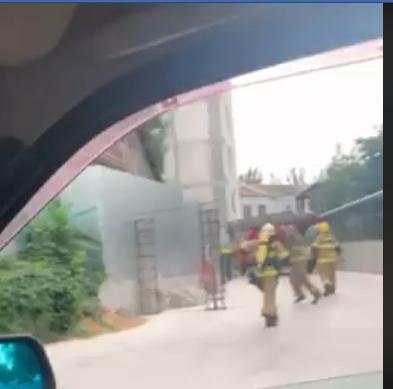 В Херсоне снова пожар: спасателей вызвали к новостройке в центре города