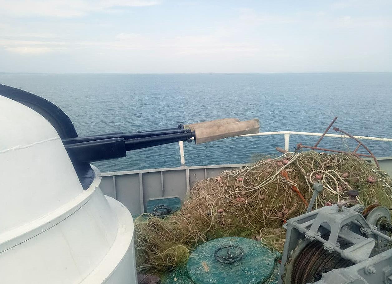 Пограничники раздобыли в Черном море километровую бесхозную сеть с краснокнижным уловом
