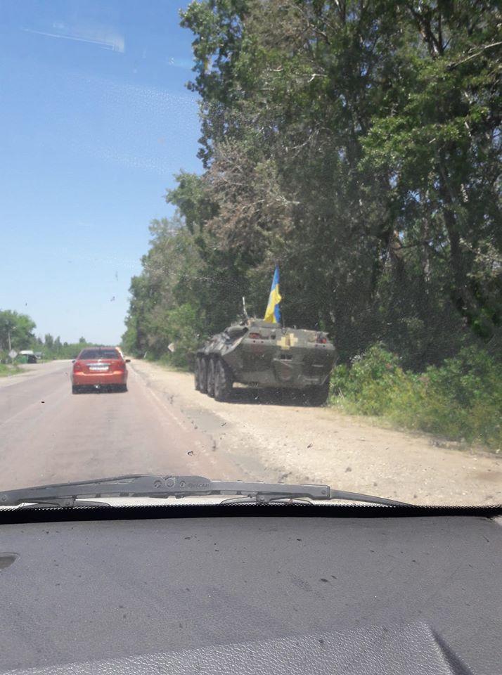 БТРы у Новой Каховки напугали жителей города