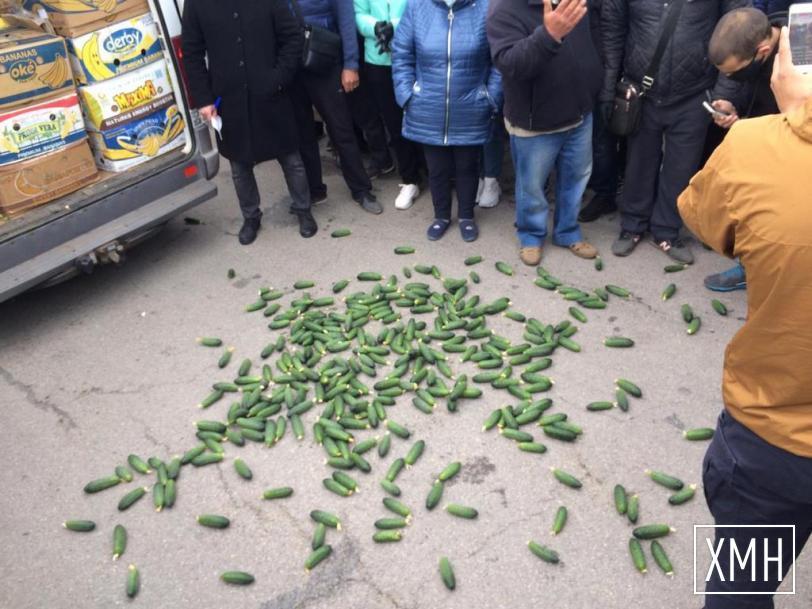 Полиция завела два уголовных дела после перекрытия фермерами Антоновского моста