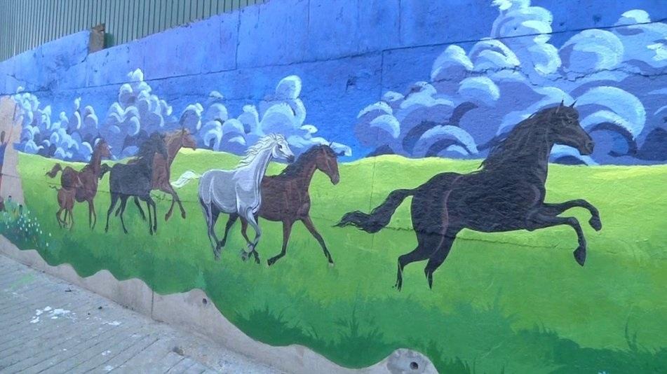 Художник Херсонщины создал самую большую в Украине стенопись