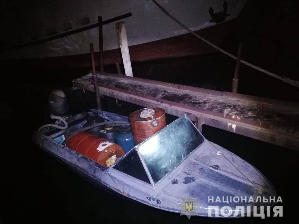 В Херсоне ночью полицейские поймали торговца соляркой