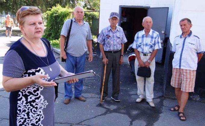 В Новой Каховке для членов совета ветеранов провели экскурсию по новым достопримечательностям города