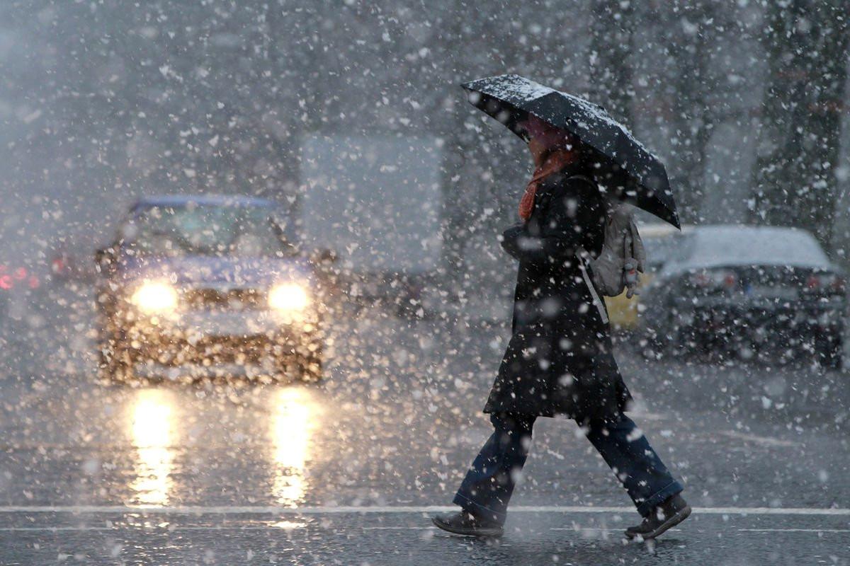 Синоптики предупреждают жителей Херсона об ухудшении погодных условий: ожидается мокрый снег, мороз и гололед
