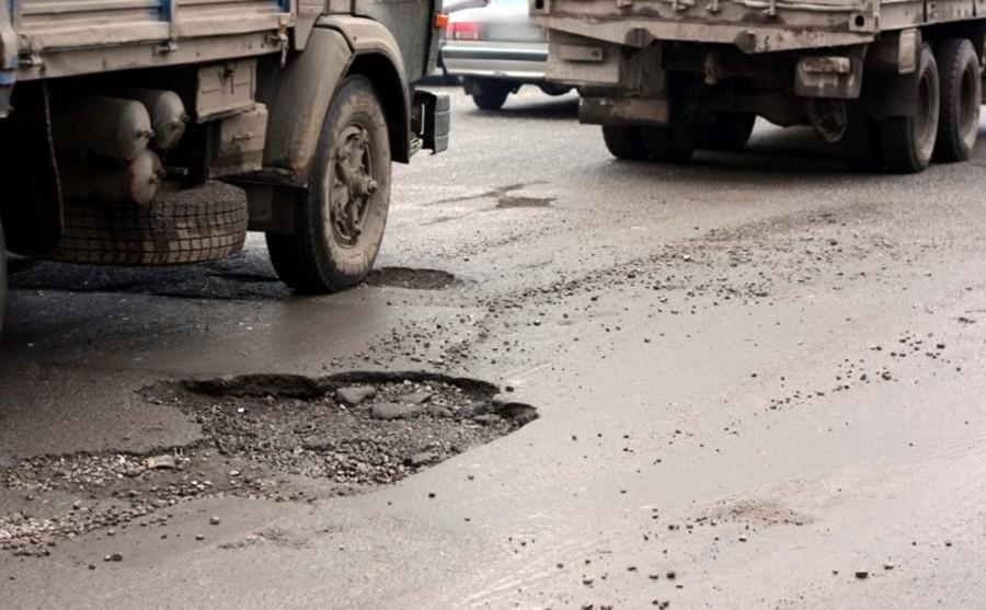 В Херсоне создадут условия, чтобы грузовой транспорт не разрушал дороги