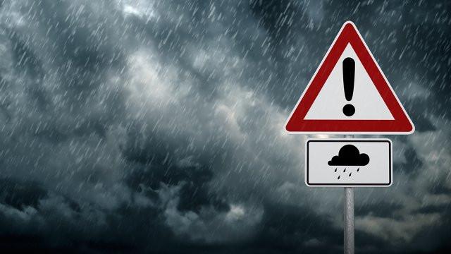 Снова ураган? В Украине объявлено штормовое предупреждение