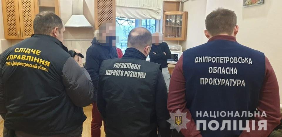 В Днепропетровской области задержали банду рейдеров, которая терроризировала фермеров: в банде были и херсонцы