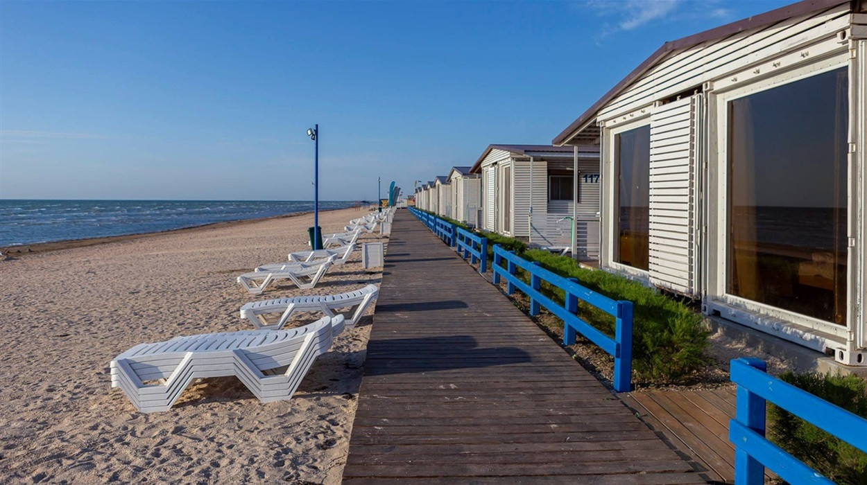 """Пляжи Херсонщины попали в сеть лучших пляжей мира и получили международную награду """"Голубой флаг"""""""