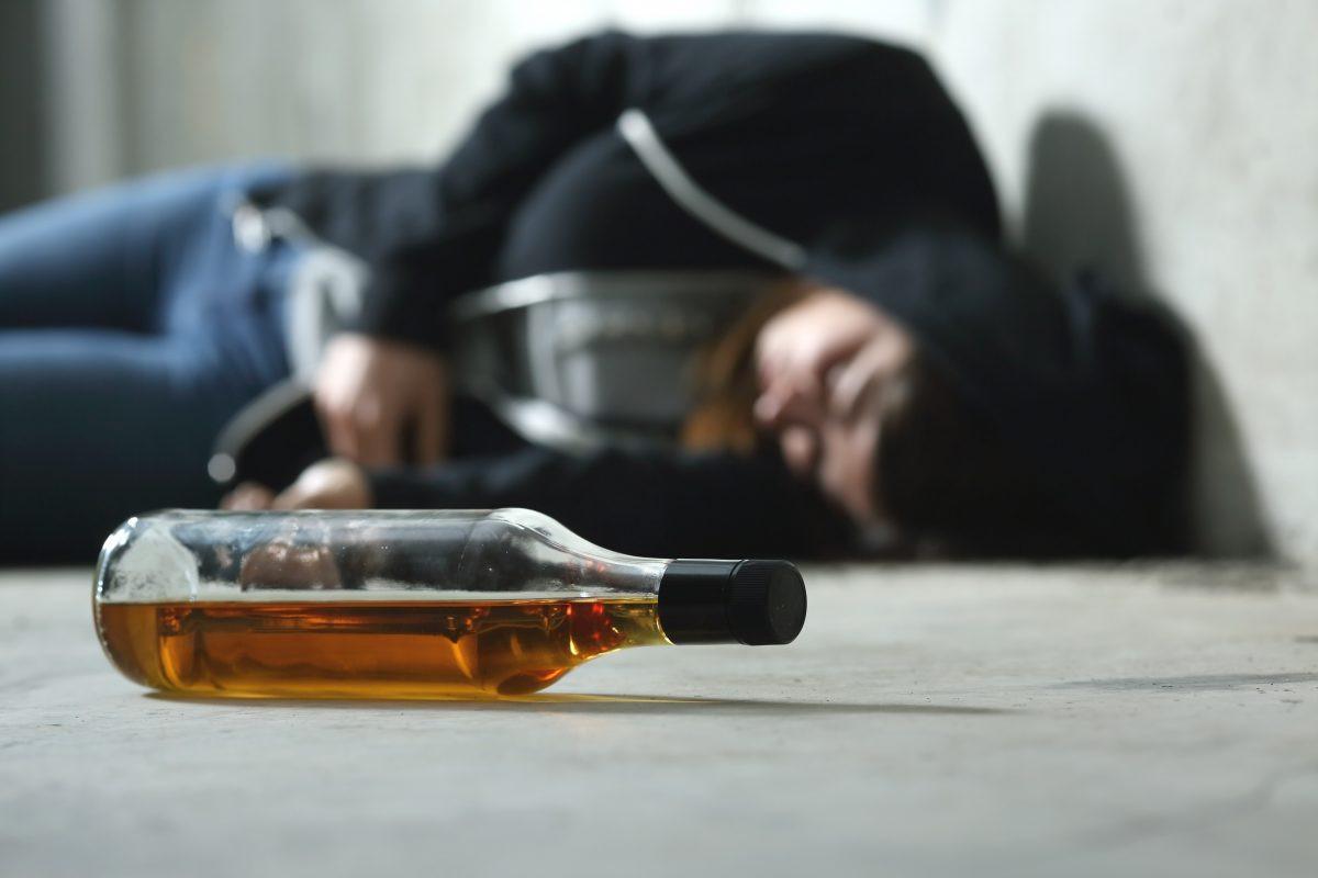 С начала 2021 года на Херсонщине 24 человека умерли в результате отравления алкоголем