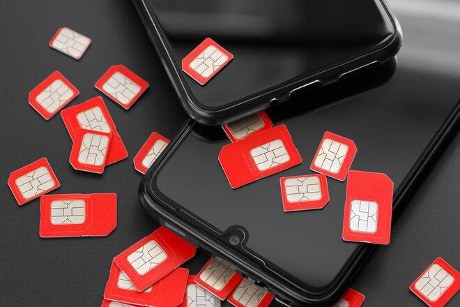 """Операторы продают """"б/у симки"""": на только купленные номера абонентов начинают звонить коллекторы"""
