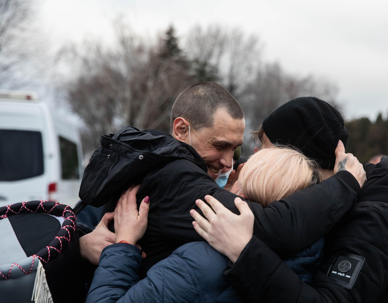 В Украину вернулись четверо моряков, которые более 4 лет были в ливийском плену: среди них и херсонец Павел Чайка