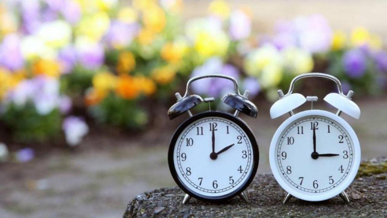 Сезонный перевод часов в Украине отменят: в Раде поддержали законопроект