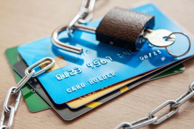 Приватбанк начал блокировать счета частным исполнителям. Не спасает даже спецстатус