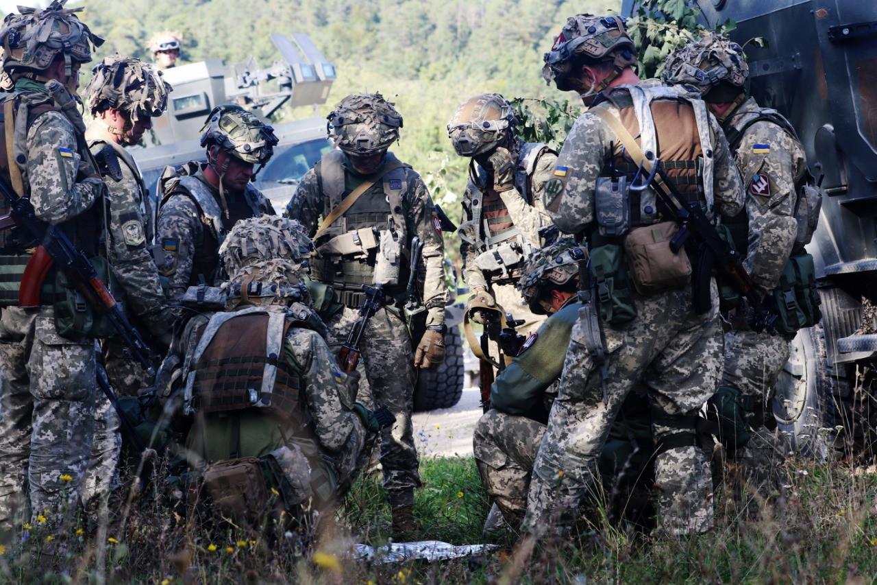 Украина в марте проведет учения десантников вблизи Крыма - симметрично с РФ, — генерал-лейтенант Сергей Наев