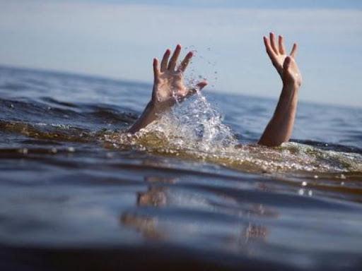 """В Херсоне в районе пляжа """"Лилея"""" утонула 15-летняя девушка"""