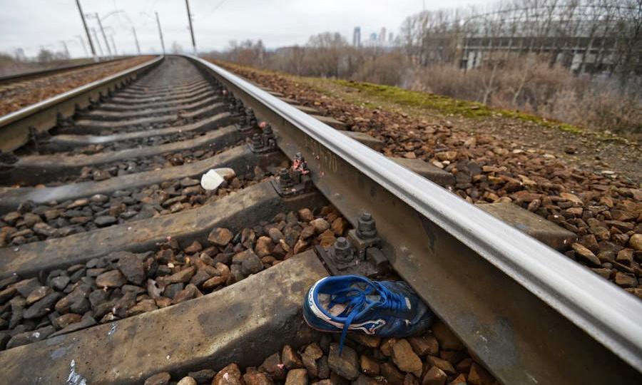 Жуткая трагедия на переезде в Херсоне: женщина попала под поезд